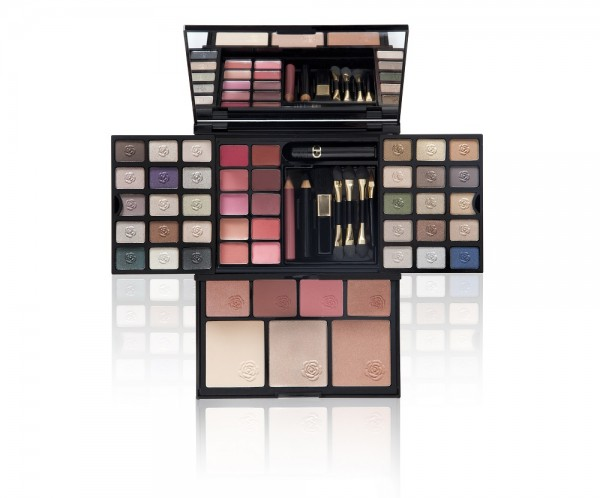 GA-DE Essentials Makeup Set 0